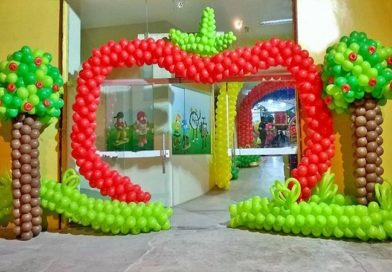 Curso ensina fazer decoração com balão arco portal